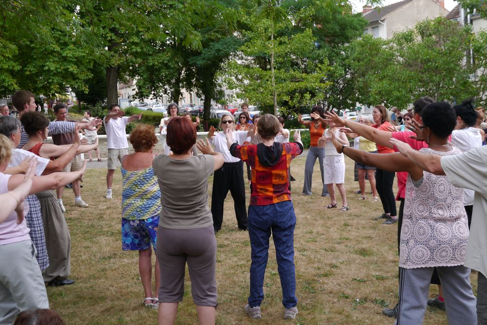 Eté 2014, en plein air séance de QI GONG Traditionnel